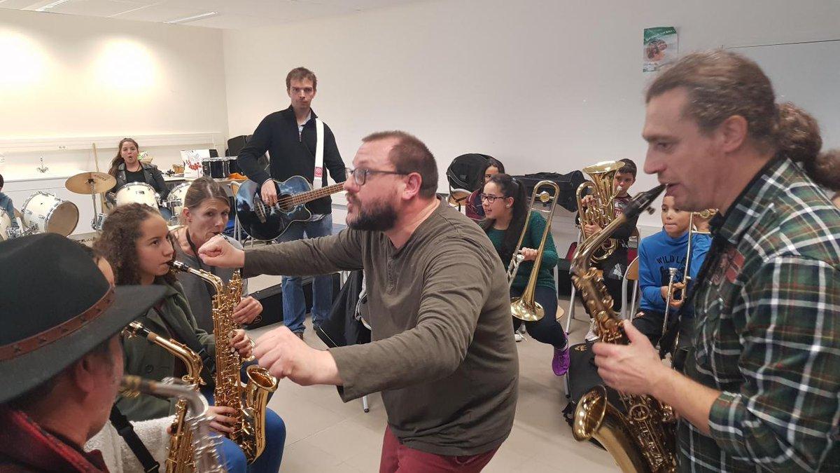 Rencontre entre Marcel et son orchestre...
