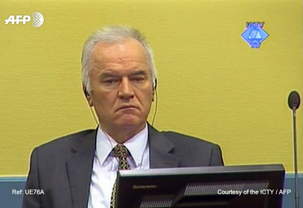 Plus de 20 ans après les conflits qui ont déchiré l'ex-Yougoslavie, Ratko Mladic, surnommé le 'boucher des Balkans', connaîtra mercredi son verdict devant le TPIY https://t.co/hrW4TCGKDh par @Sophie_Mignon #AFP