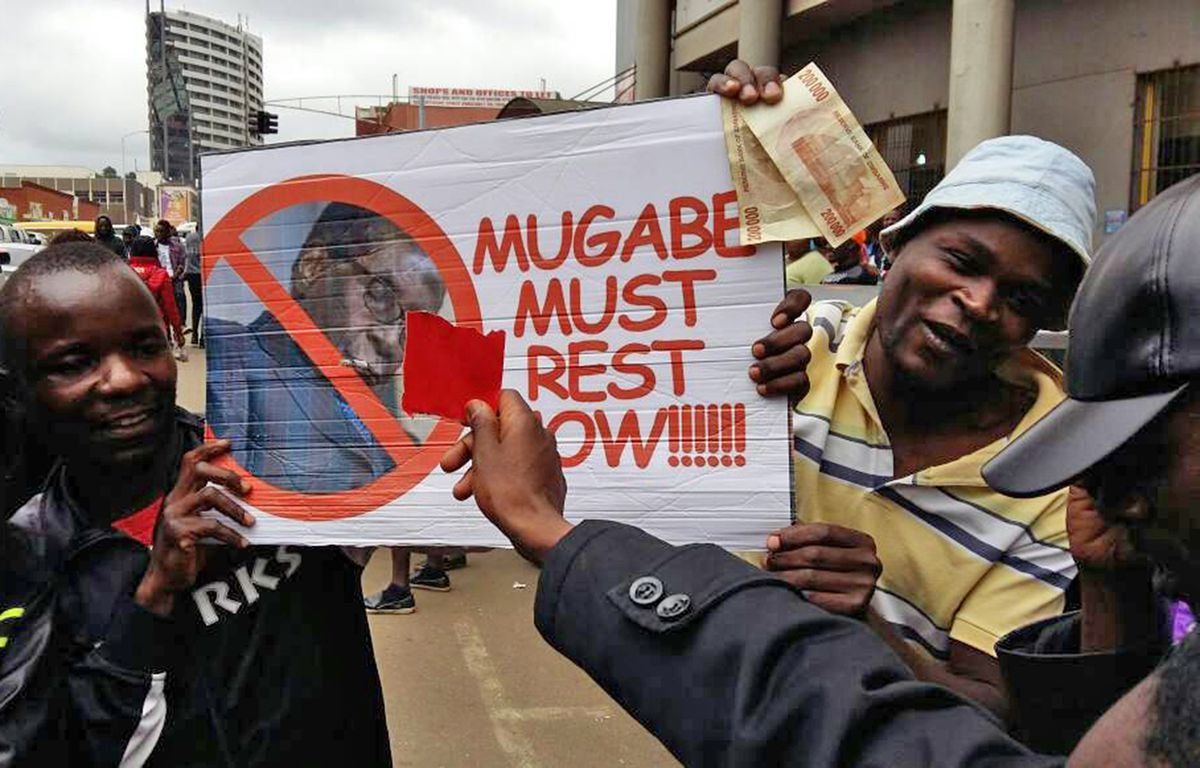 Zimbabwe's ruling-party leaders gather to decide Mugabe's fate https://t.co/NfotwnP3Lu