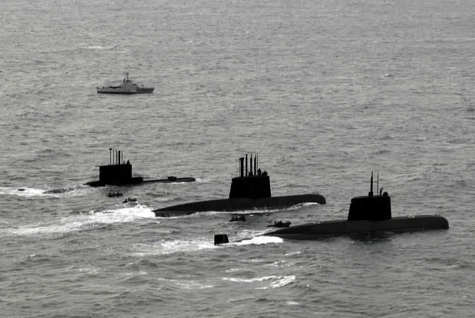 >@EstadaoInter Governo argentino diz ter rebebido possíveis sinais de submarino https://t.co/OVY4LcRa1C