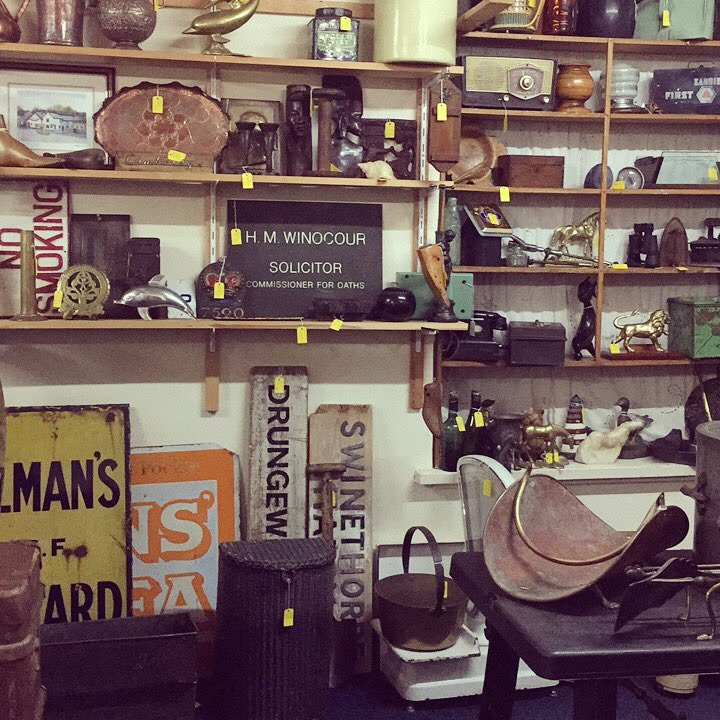 We are open until 5 so pop in for a browse #astraantiques #hemswell #thevault #silver #enamelsigns #antiques #vintage #retro #enamel #frenchware #brocante #military #jewellery<br>http://pic.twitter.com/NgIOBWExAH