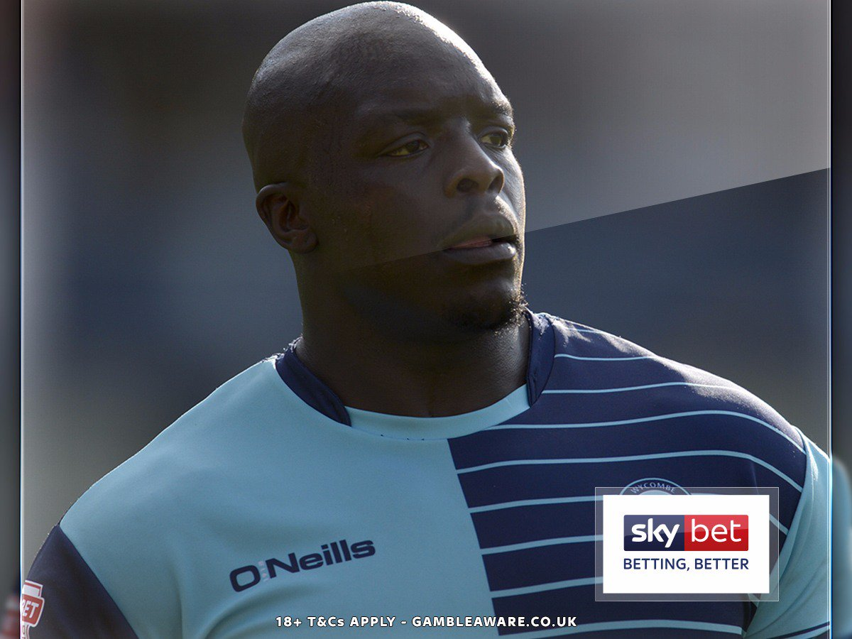 🔥 Most goals or assists in English league football this season?  ❌ de Bruyne ❌ Salah ❌ Kane  💪 It's @wwfcofficial's @daRealAkinfenwa (10 goals, six assists). #Chairboys