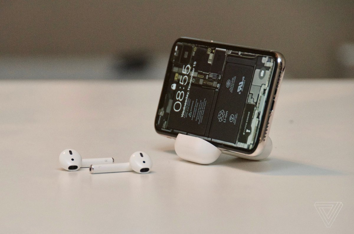 AirPods make for a surprisingly useful iPhone stand https://t.co/sCtbOiAJN4