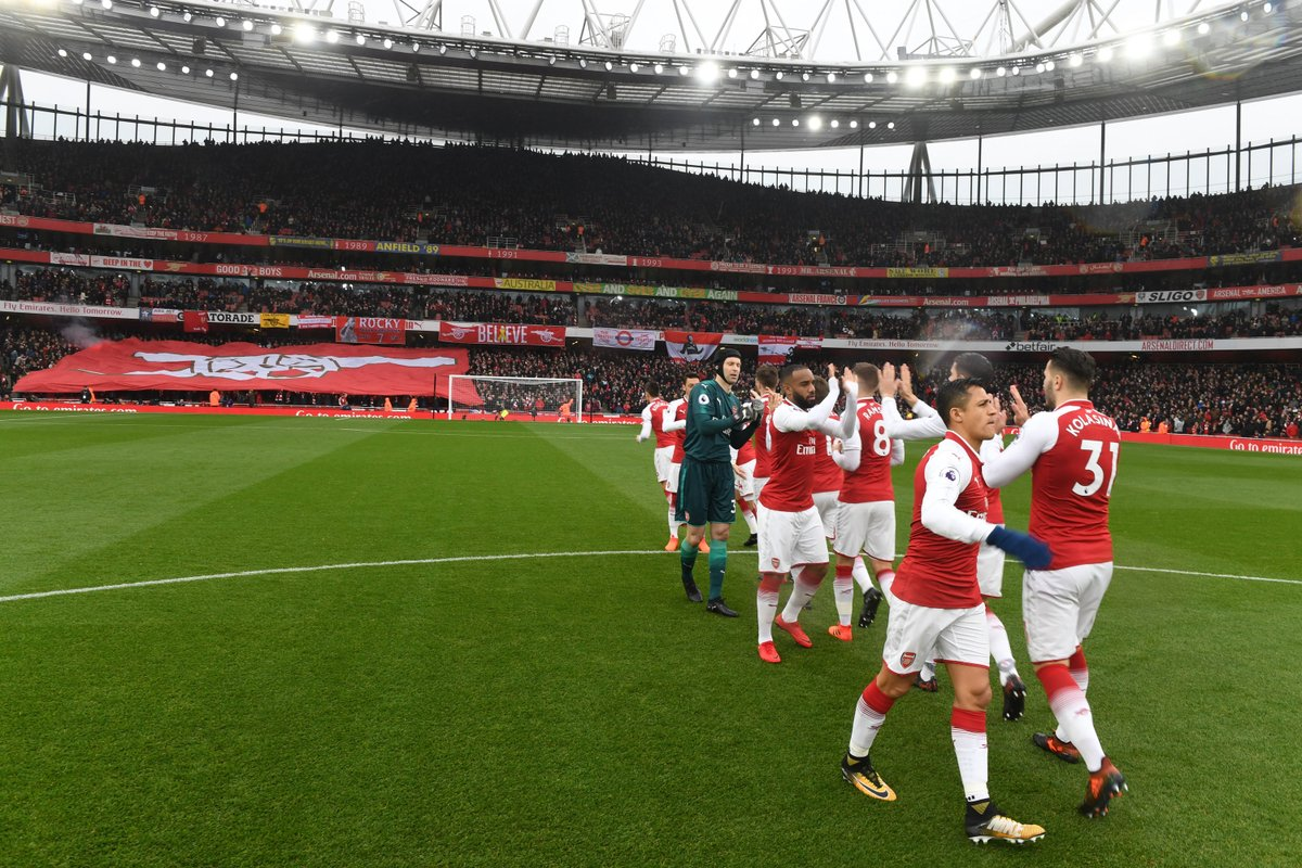 The Arsenal team line up before yesterday&#39;s North London Derby #arsenal #afc <br>http://pic.twitter.com/hEmcESxcf5