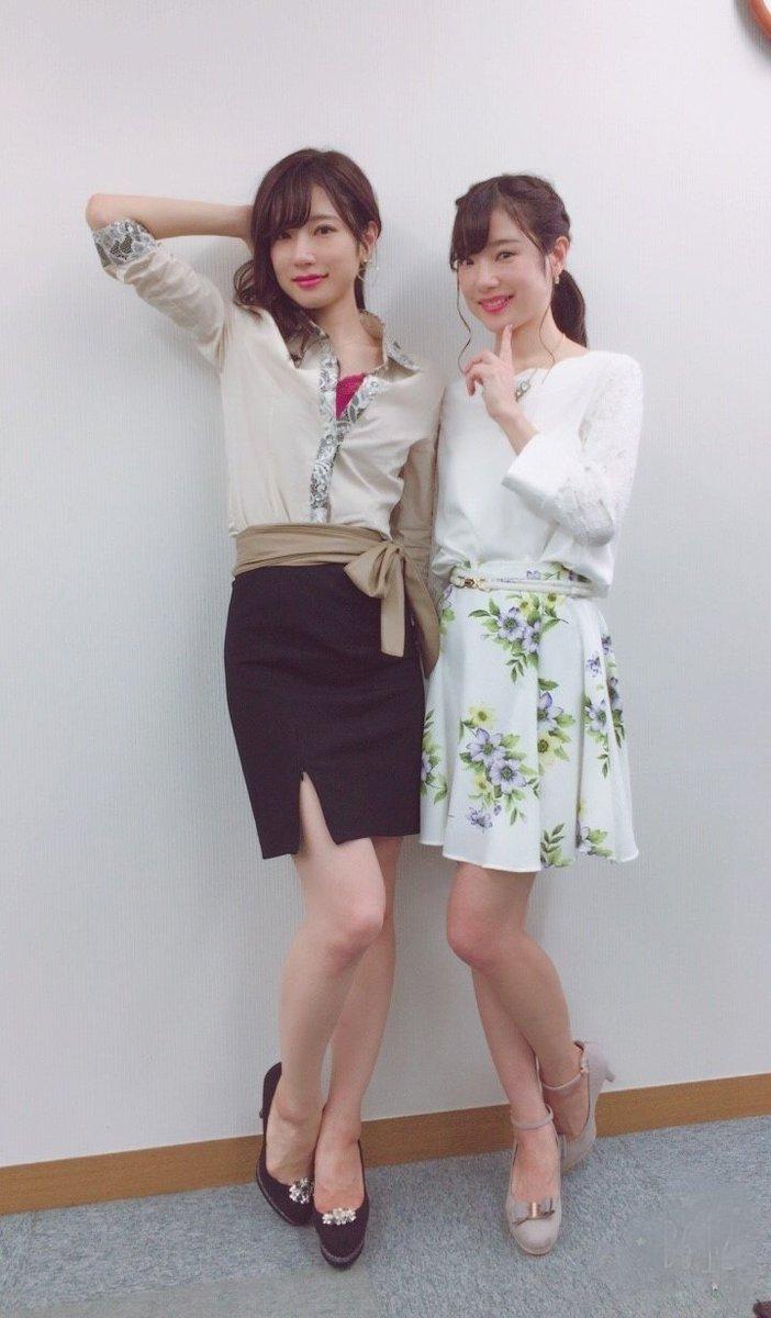 Mika Rika フリー素材アイドル בטוויטר Mvの衣装 Olスタイル Mikaはスリットが入ったタイトスカート でサバサバ系 Rikaは花柄スカートで清楚系 2人とも元olなんだけど こんな感じの装いで通勤すれば良かった って今思う O 笑 Ol オフィスカジュアル