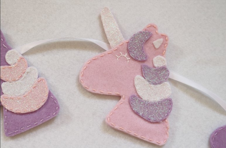 This sparkly unicorn bunting would look lovely in a little girl&#39;s bedroom!  https:// buff.ly/2ysaZZ1  &nbsp;   #craftshout #giftsideas #etsystore #onlinecraft <br>http://pic.twitter.com/6q6uOf2QhL
