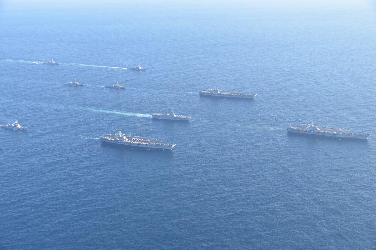 11月12日、海上自衛隊は、日本海において米空母3隻等が実施する演習に参加しました。海自からは、護衛…