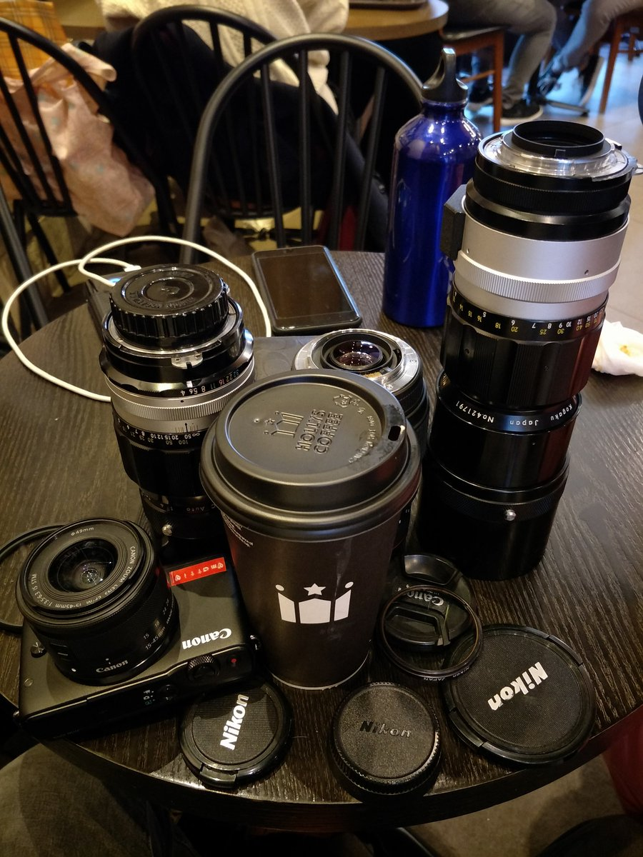 Things I love.. #lens and #coffee<br>http://pic.twitter.com/cmMzzbppdJ
