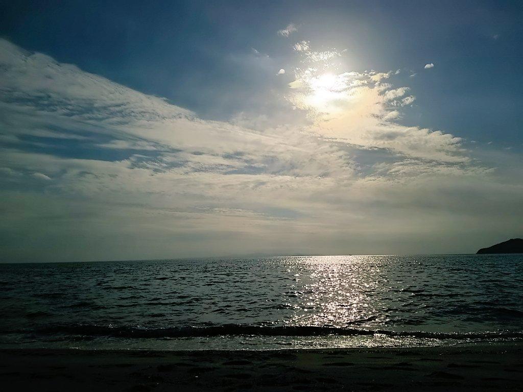 今日の空。 虹ヶ浜にて。 https://t.co/jNVHyio5EP