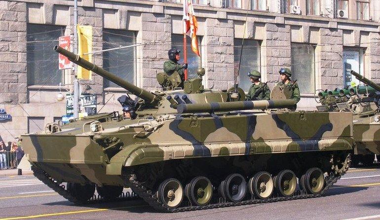 العراق يستلم بضعة دزينات من العربة القتالية الروسية BMP-3. DObdV9YWAAEKw_-