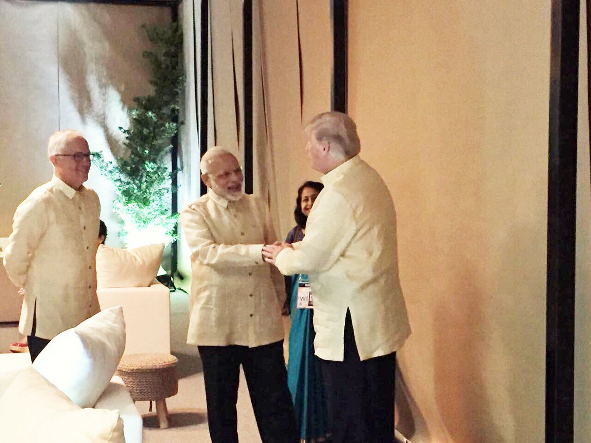 Modi meets Trump at Gala ASEAN Dinner