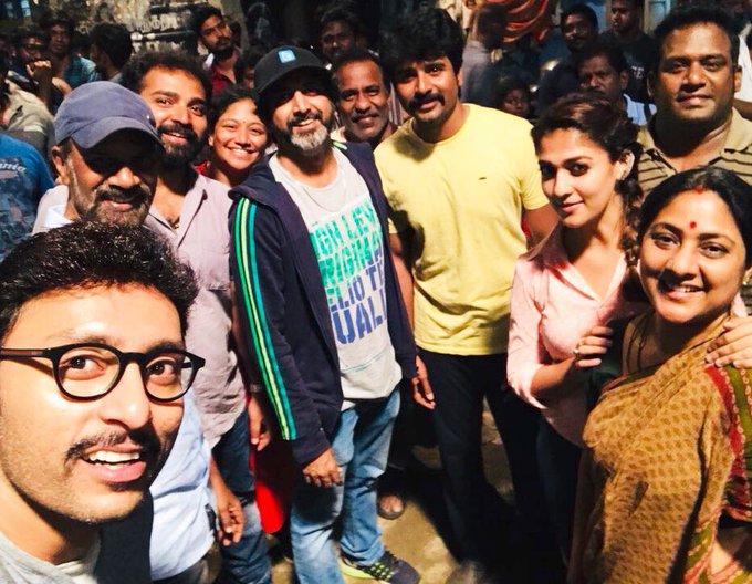#VelaikkaranWrap And thats a wrap 👐👍 Team #Velaikkaran https://t.co/wCs1AgKxnb