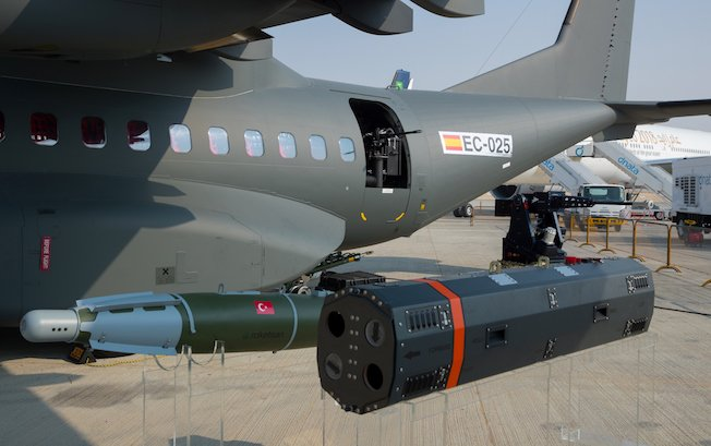 """""""إيرباص"""" تعرض نظما قتالية خاصة بطائرة C295 العسكرية DOc5-0yXUAEG1dn"""