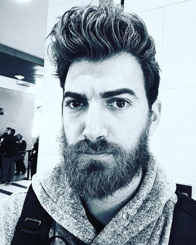 Rhett McLaughlin clean shaven
