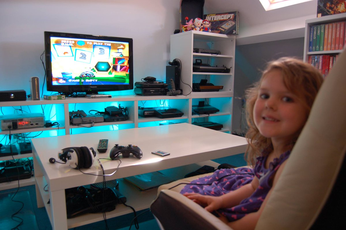 My little girl is growing up and so is the game-cave collection!  #retrogaming #GamersUnite #mancave <br>http://pic.twitter.com/922d48k7vX