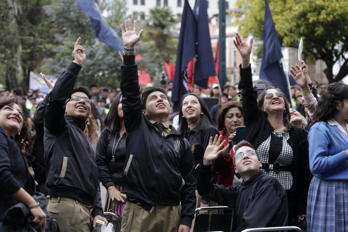 Levante la mano el que se sienta orgulloso de ser ecuatoriano. #FelizDomingo https://t.co/EcgUii7LtJ