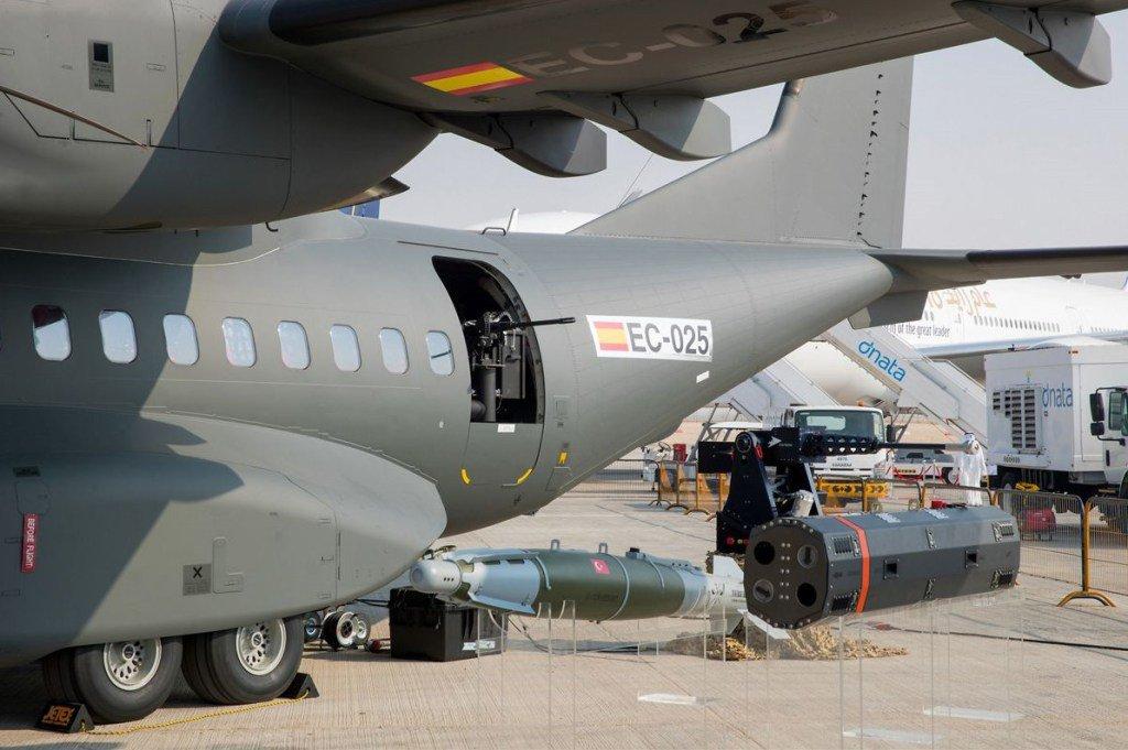 """""""إيرباص"""" تعرض نظما قتالية خاصة بطائرة C295 العسكرية DOcnBTgVoAAfe9m"""
