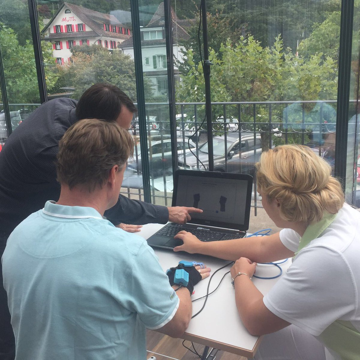 Interactive visuo-motor finger, hand and arm coordination training by @yourehab #YouGrabber #strokerecovery #technology<br>http://pic.twitter.com/wVSYWlbY6a
