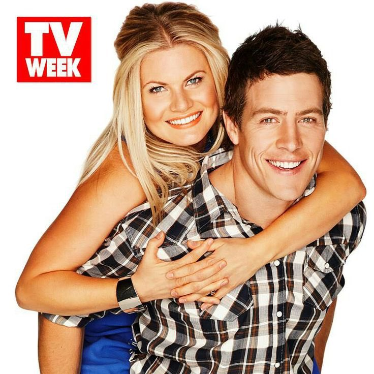 Who is your favourite #HomeandAway couple/s of all time?  <br>http://pic.twitter.com/7G0wknqCkU
