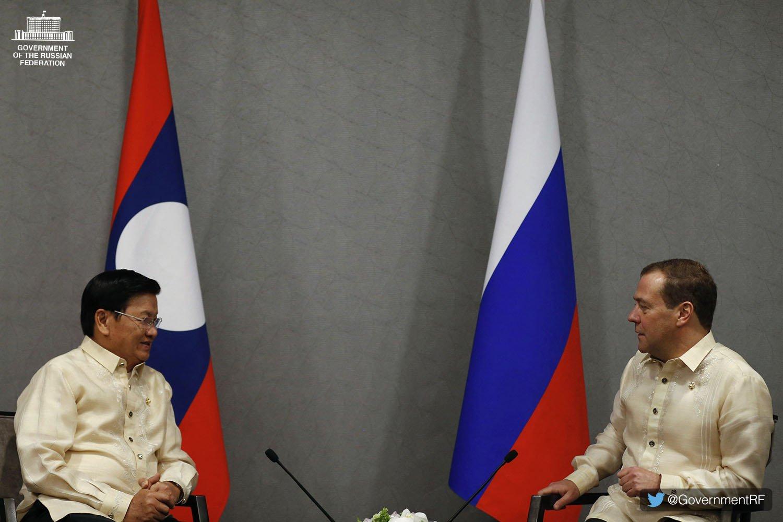 Dmitry Medvedev met with Laotian Prime Minister Thongloun Sisoulith in Manila https://t.co/qXluwYe2OZ https://t.co/OhVrbfmNfy