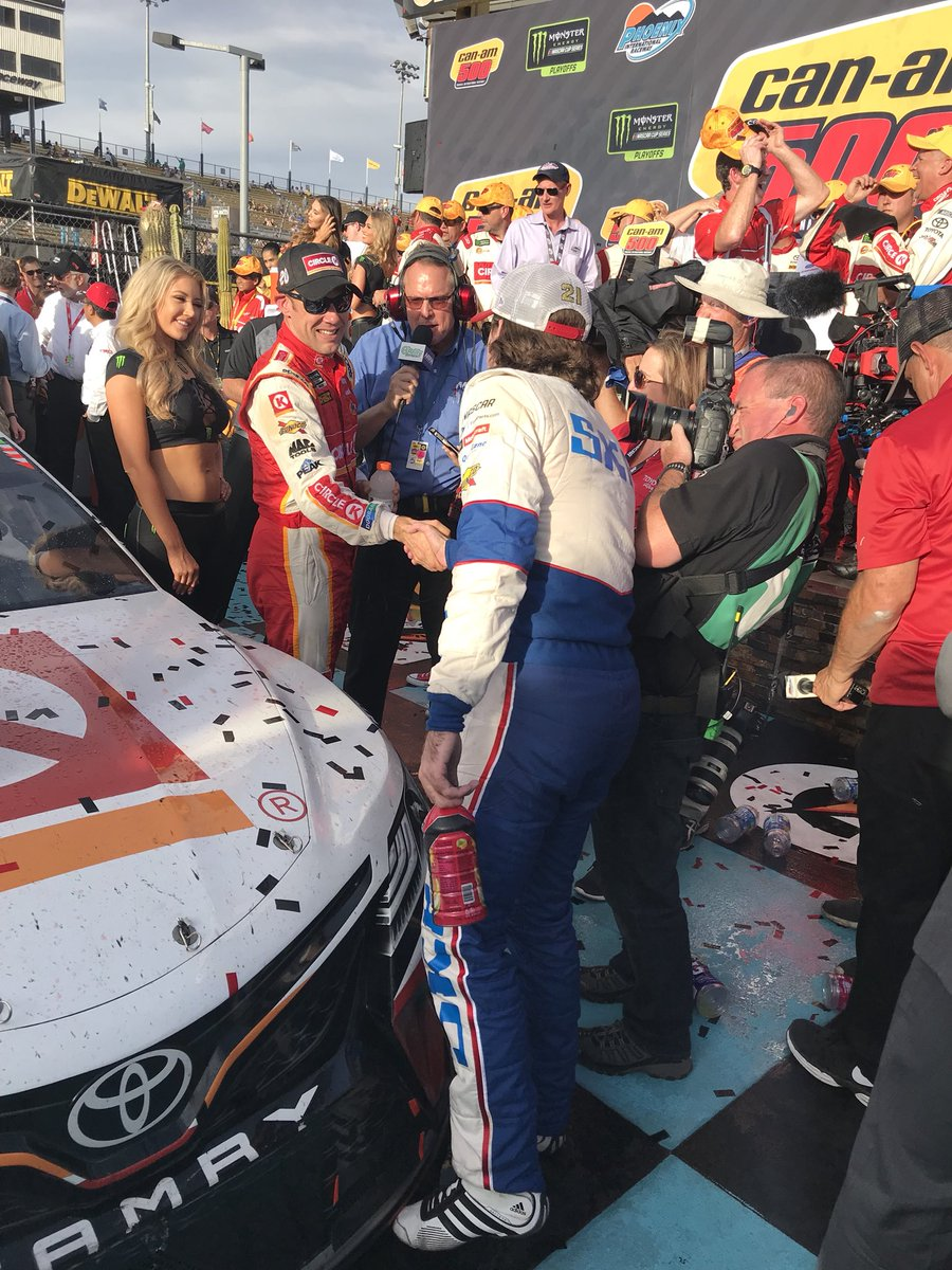 Phoenix Raceway On Twitter Sportsmanship A Congratulatory Handshake From Blaney Teamkenseth Blaney Canam500 Nascar at darlington live updates: twitter