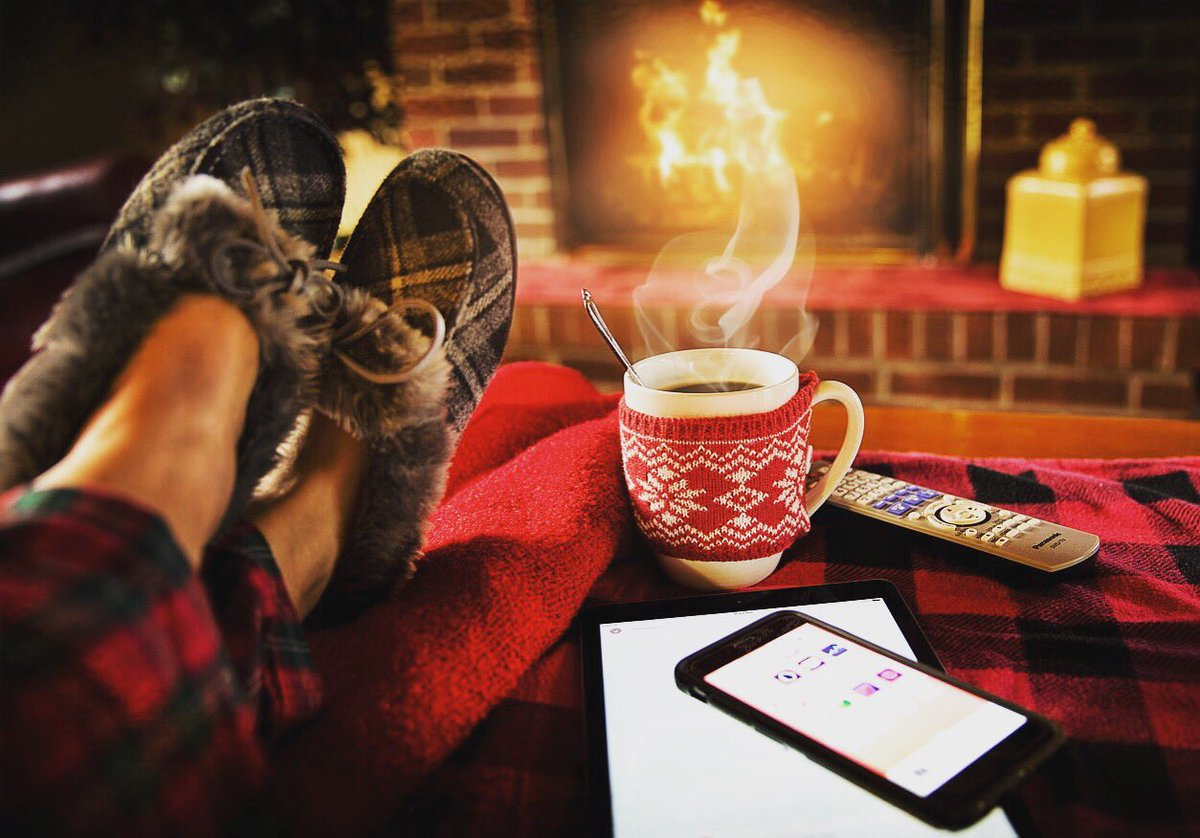 Relaxing sunday, christmas is coming ! Bosser au coin du feu #passion #entrepreneur #cantwait #cheminee #noel #coocooning #relax #bonheur #actionscommerciales #fetesdefindannees #agencemarketing #monaco #menton #nice #paca #sophiaantipolis<br>http://pic.twitter.com/gbLN0bwG5X