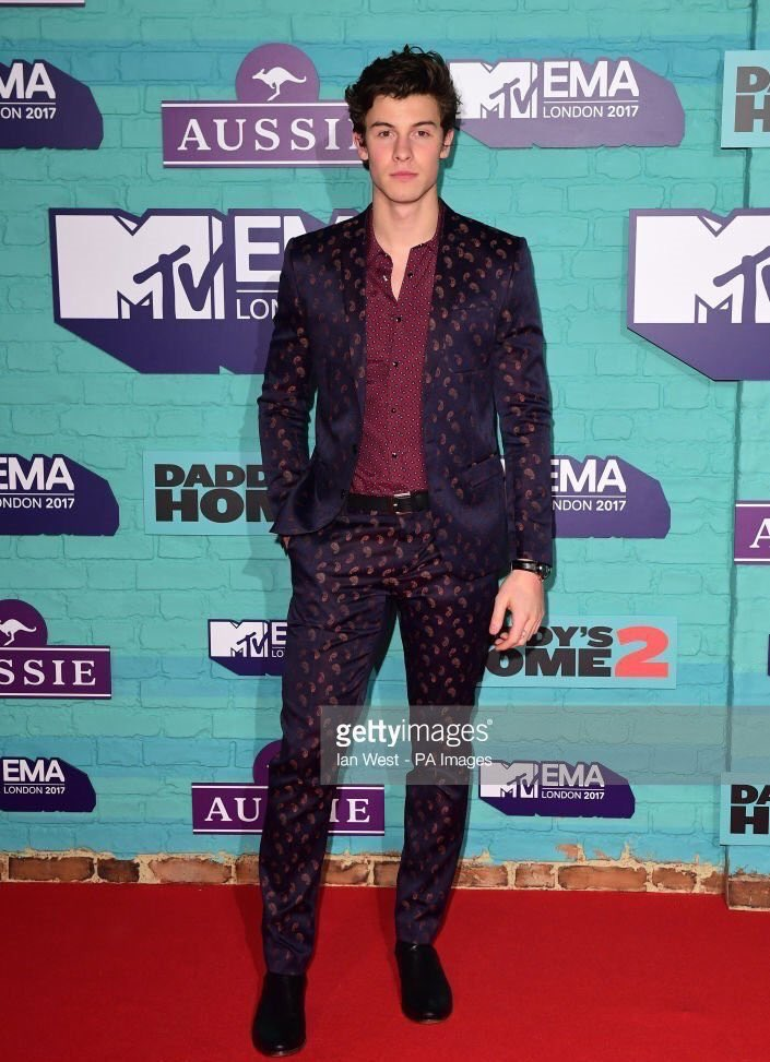 Shawn Styles Mendes Looks Fabulous   #EMABiggestFansShawnMendes <br>http://pic.twitter.com/lhc4CLAgV3