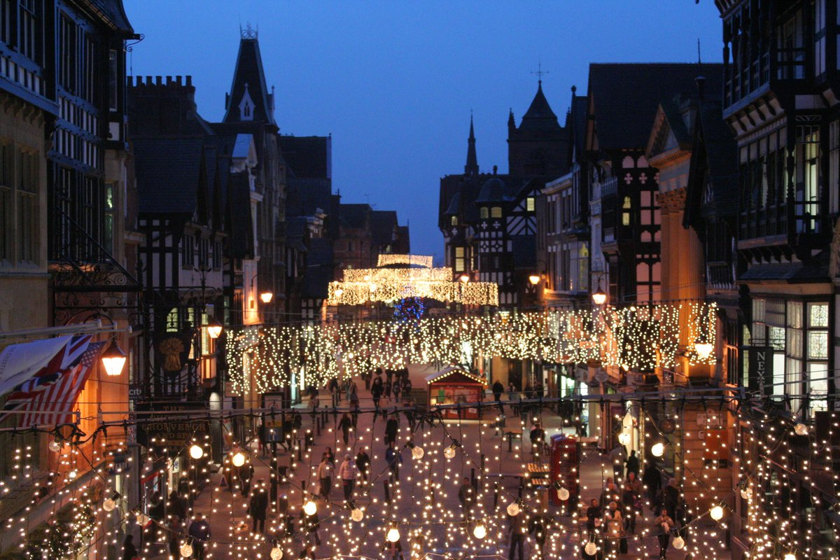 Good morning, only 4 days to go until #Chester gets in the festive spirit - the perfect time to visit!  http://www. chester.com/whats-on/chris tmas-in-chester/christmas-lights-switch-on-2017/ &nbsp; …  #chestertweets<br>http://pic.twitter.com/LBd5nqosYp