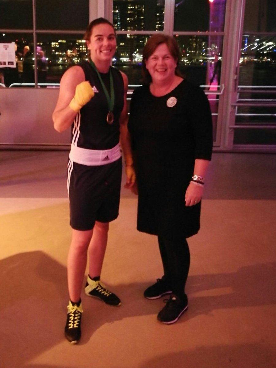 7b005cbb26fc79 Even op de foto met Nouchka Fontein tijdens World Port Boxing Gala in  Rotterdam!  ikbennietbang  bijzonder Bedankt voor de uitnodiging   BorisvdVorst.… ...