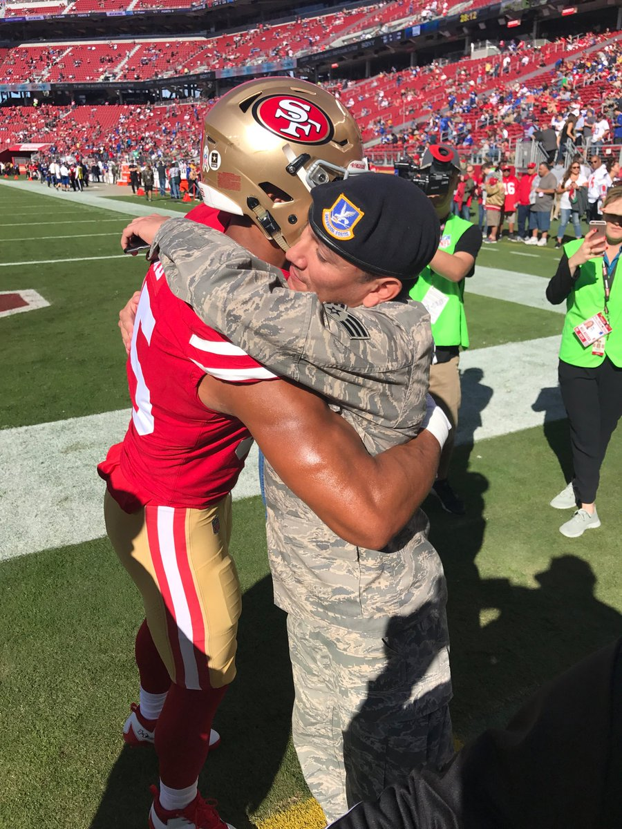 85174f35e1e Three NFL players kneel for anthem on Veteran's Day weekend | Sport ...