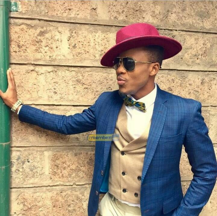 And the winner of the Best African Collaboration category at #Afrima2017 is @officialalikiba ft @mi_abaga  Get all his songs on #BoomplayMusic <br>http://pic.twitter.com/Y0iejrH9wS