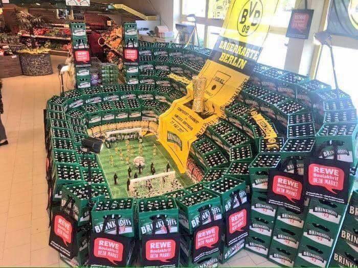 German supermarket with a genius way of displaying beer.  #BVB #MiaSanMia #Bundesliga #Germany #Deutschland <br>http://pic.twitter.com/GVNrYMWsFS