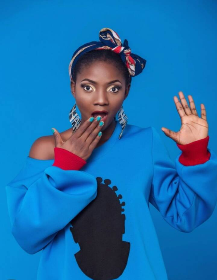 African Songwriter of the year award at #Afrima2017 goes to @SympLySimi  Get her songs on #BoomplayMusic <br>http://pic.twitter.com/qVvKlNUzfZ