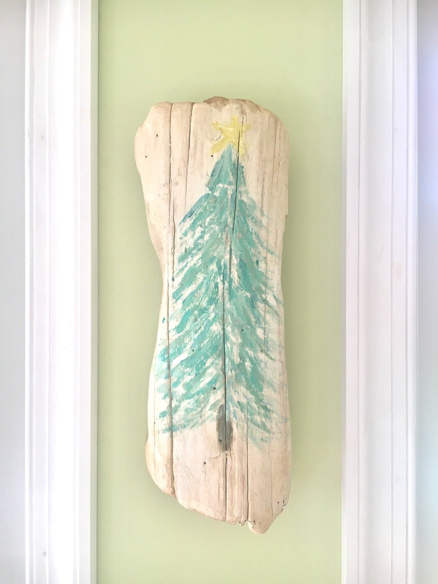 Christmas tree painting on driftwood wall art   https://www. etsy.com/listing/567944 653 &nbsp; …  #christmas #beachchristmas #nautical #shabbychic #rusticmodern #rusticdecor #repurposed #driftwood #decorations #handmade #Etsy #upcycled<br>http://pic.twitter.com/kaqwPZMQyh