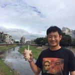 おはようございます。台湾遠征を終えて本日、帰国します。タピオカ入りドリンクを飲む吉田選手。(広報) …