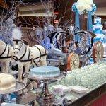 シンデレラの世界にチョコミントファウンテンの至福……!ヒルトン東京に「チョコミントのチョコレートファ…