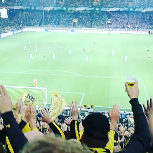 New post (#borussiadortmund ...) has been published on  -  http:// bundesliga.jetzt-24.de/borussiadortmu nd-block13-nurderbvb09-einlebenlangschwarzgelb-supporters-bv/ &nbsp; …  Der Channel-Sponsor ist:  http://www. 123tapeten24.de / &nbsp;  <br>http://pic.twitter.com/BuCbsckVAP