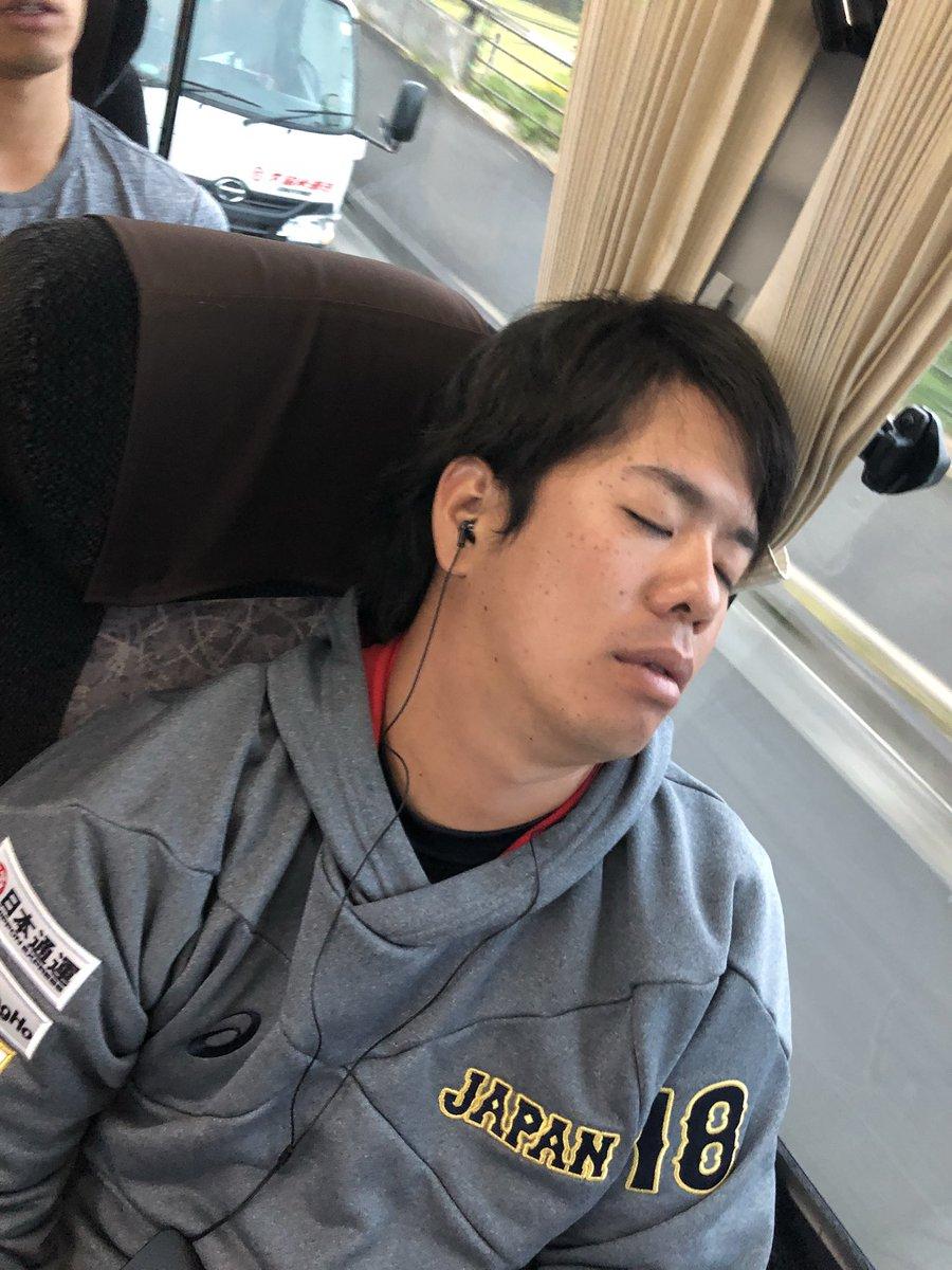 みんなの寝顔part2💤スヤスヤ  あともう少しだ🐾みんな頑張ろー‼️  #侍Japan