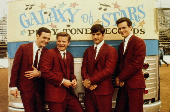 Happy Birthday to Steve Zahn(second to left), who turns 50 today!