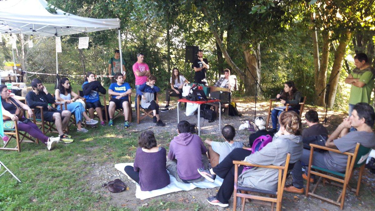 @Errekaleor eta Lurralde ASkea plataformak gaurko #PresioHeltzea irratsaioan #Zarautz #TorreoiaBizirik  https://t.co/5YKV023QpG https://t.co/lEuG6jTRTD
