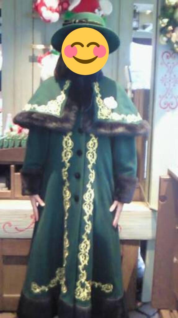 ディズニーシーのインフォメーションボードのキャストさんの制服も昨日初めて見てお洒落で気に入ったんだけ…