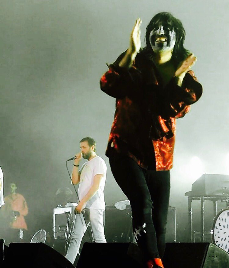 Thanks @KasabianHQ it's a pleasure to be your Bez ! Thank you Paris you are always a treat x https://t.co/GOZHXVCR3F