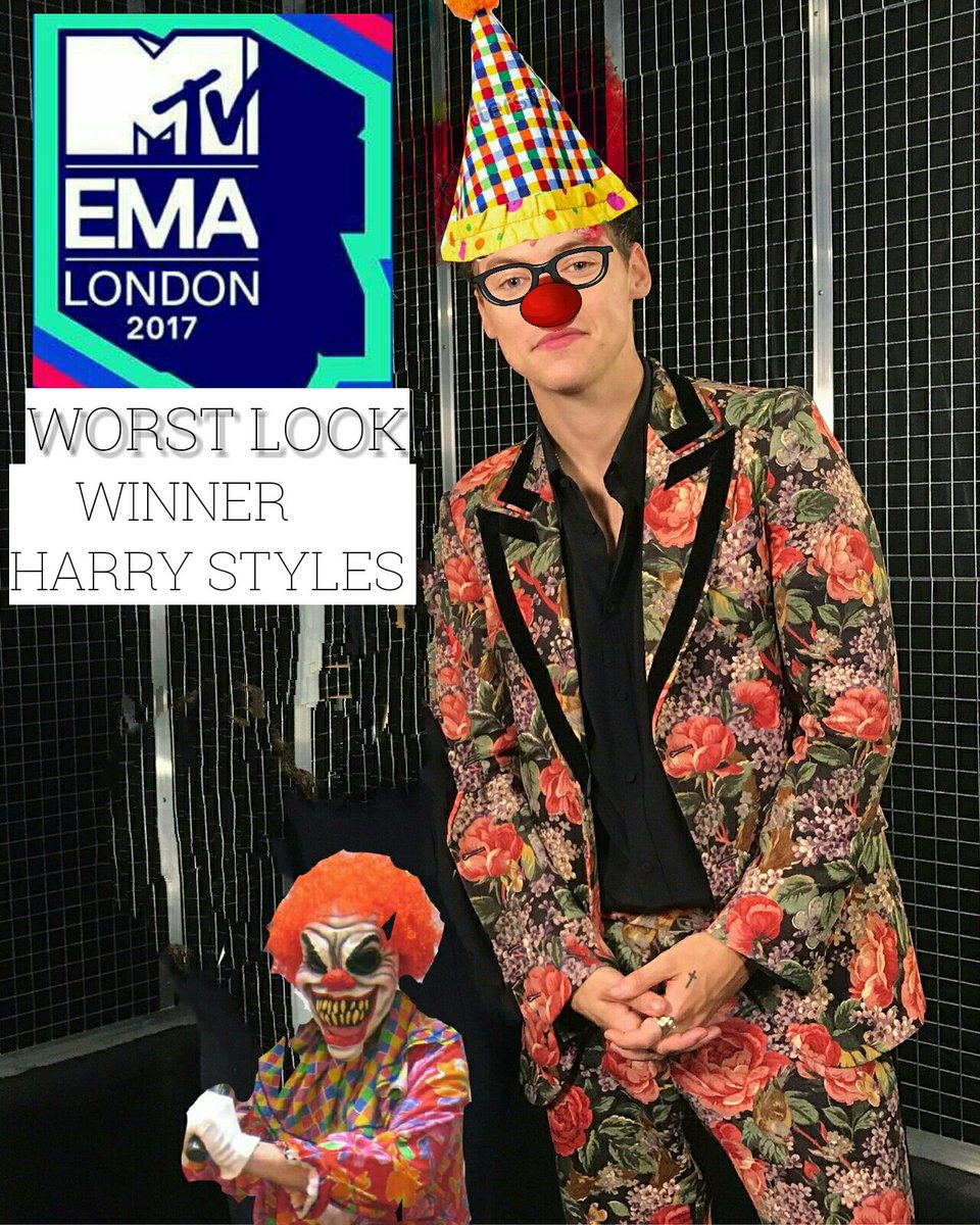 CONGRATS @Harry_Styles on winning @mtvema WORST LOOK  Congrats #ZAYN on Winning @mtvema BEST LOOK  RT For Legend Harry Styles. Truly deserves  CONGRATS Harry stans<br>http://pic.twitter.com/BnoXA8O1Kg