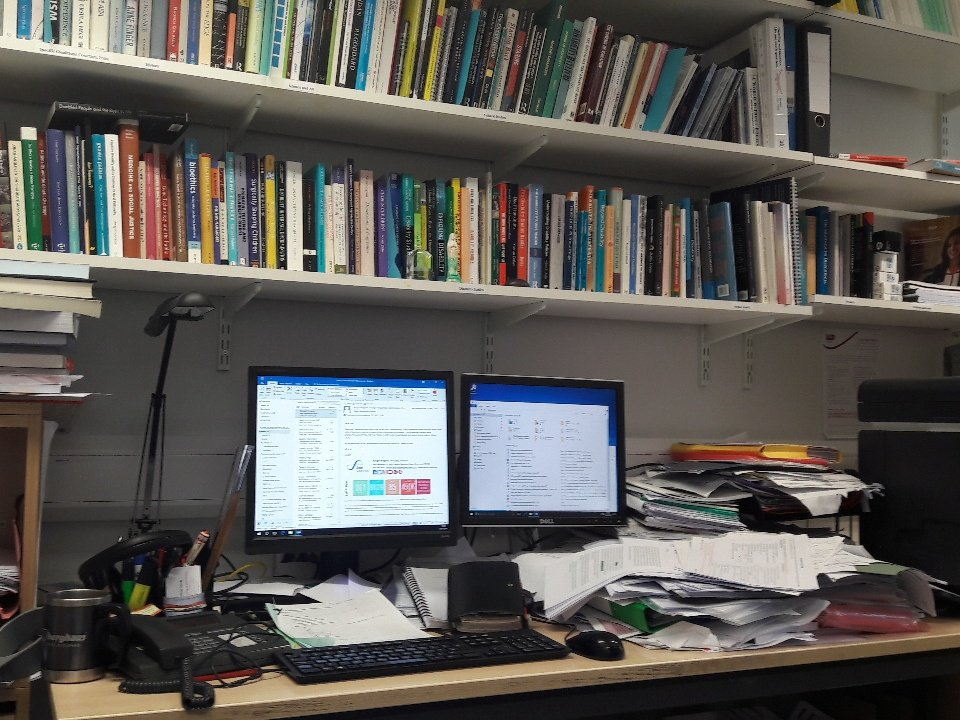 Tom Shakespeare On Twitter Einstein Asked If A Tidy Desk Signifies Mind What Does An Empty Mean