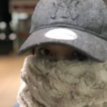 冬、スヌード本当に大事。※不審者ではありません pic.twitter.com/Z9pVaPOYm3