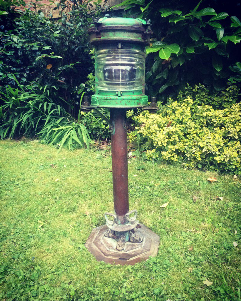Ship&#39;s mast steaming lantern, on stand. Early 20th century / navigation light  http://www. ebay.co.uk/itm/-/29232948 5122?roken=cUgayN &nbsp; …  #maritime #lighting #gardendesign #ManCave #interiordesign<br>http://pic.twitter.com/OaDuegrA42
