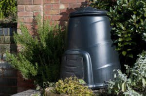 #DYK Cut price compost bins available to Norfolk residents from  http://www. recyclefornorfolk.com/compost  &nbsp;   starting at £17.98.  Want to #win a free one?  Follow us and retweet this post by 11 December to be entered into a prize draw to win a free compost bin for your back garden.<br>http://pic.twitter.com/uMPPoHaXMQ