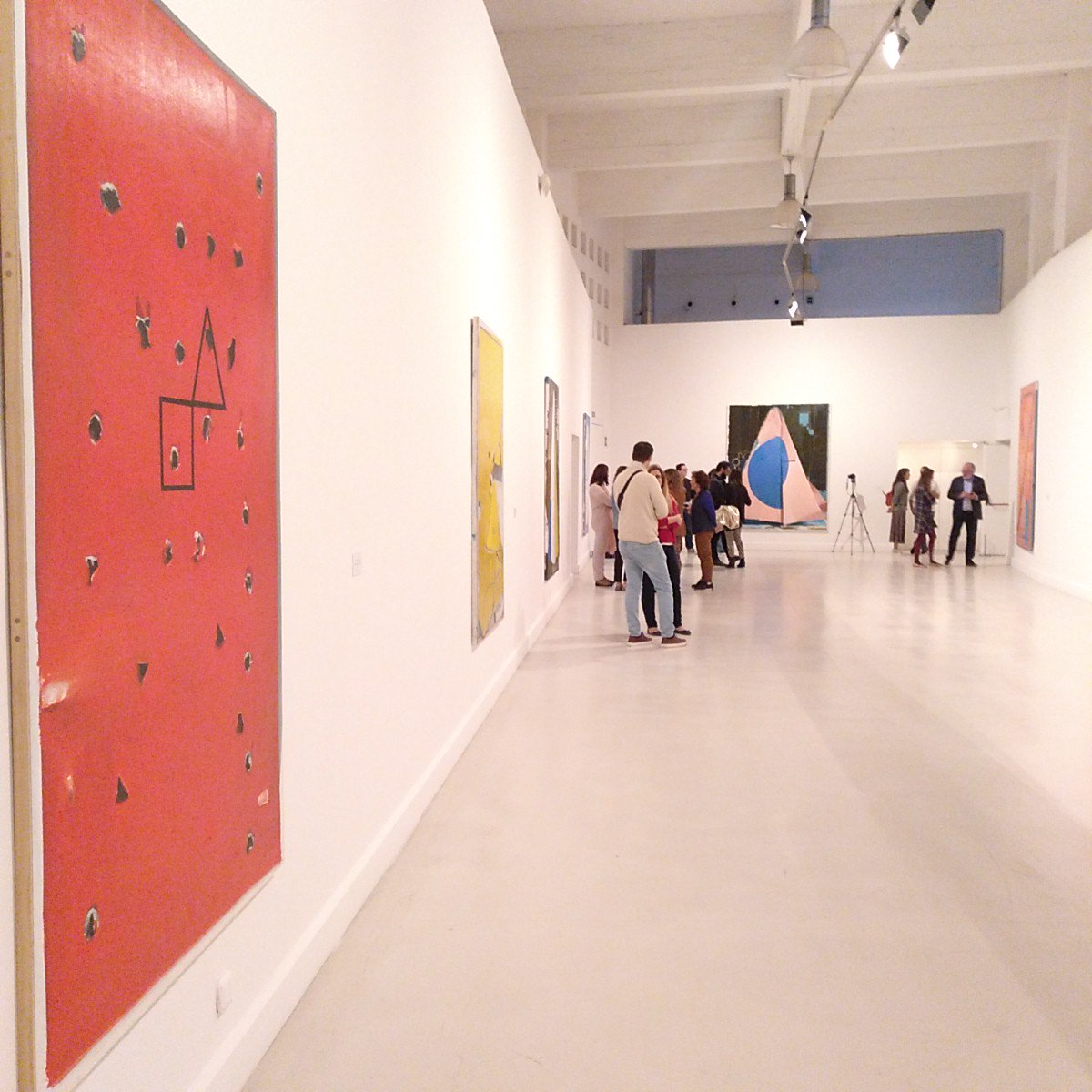 RT @CenacheroCulto: El minimalismo llega al @cacmalaga de la mano de Rubén Guerrero. https://t.co/qEkj6Y6T4L https://t.co/ACDZLmbCE6