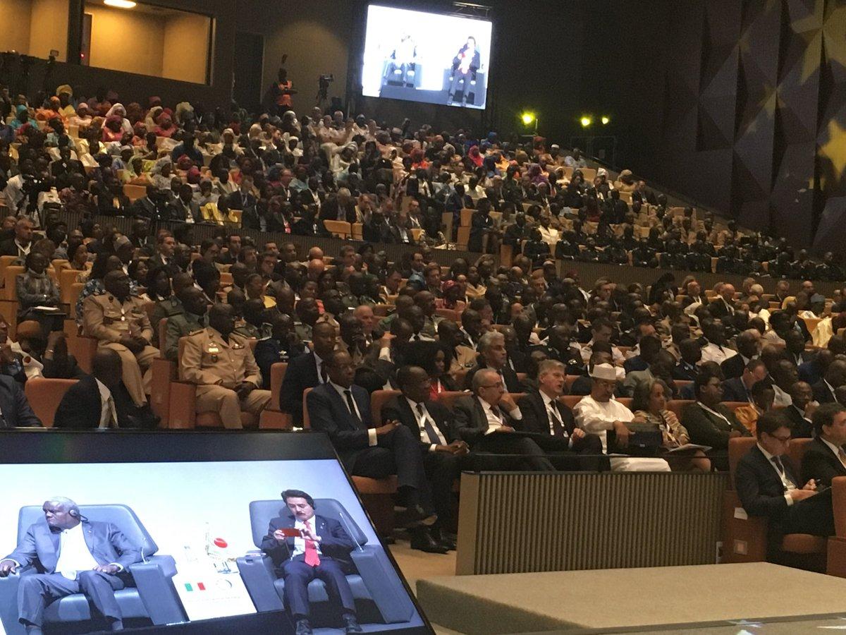 【ダカール安全保障フォーラム2017で日本代表スピーチとパネルディスカッション】 登壇したメンバーは…