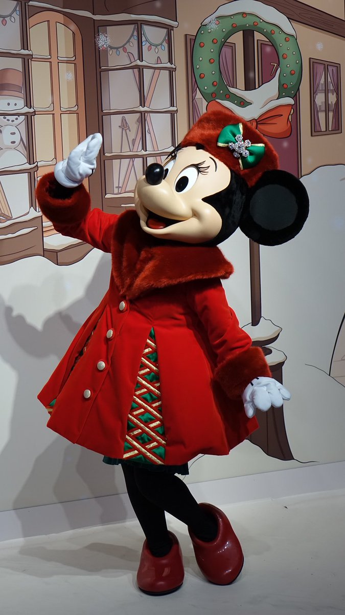 Christmas Minnie Mouse Disneyland.Pixiedust Be Disneyland Paris On Twitter Minnie Mouse